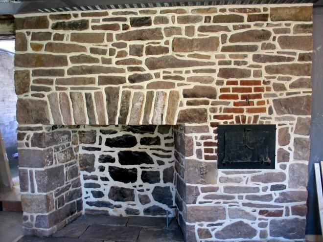 stone-masonry-fireplace-03